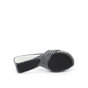 Mobius Mid Black + White Mix